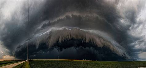 35 Photos of Thunderstorms That Show the Incredible Power