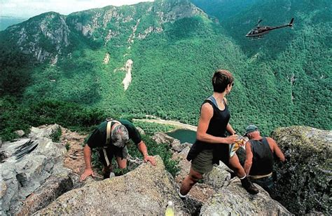 Face of Old Man of the Mountain in Franconia Notch fell 15