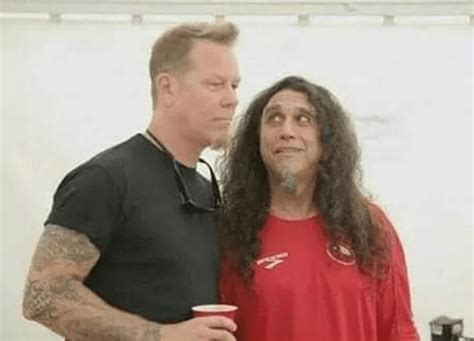 Here's METALLICA's James Hetfield Rocking Out To SLAYER In