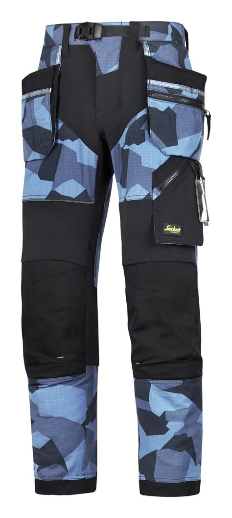 Make a statement with these blue #camo work trousers